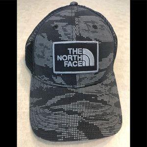 Unisex north face SnapBack trucker hat camouflage